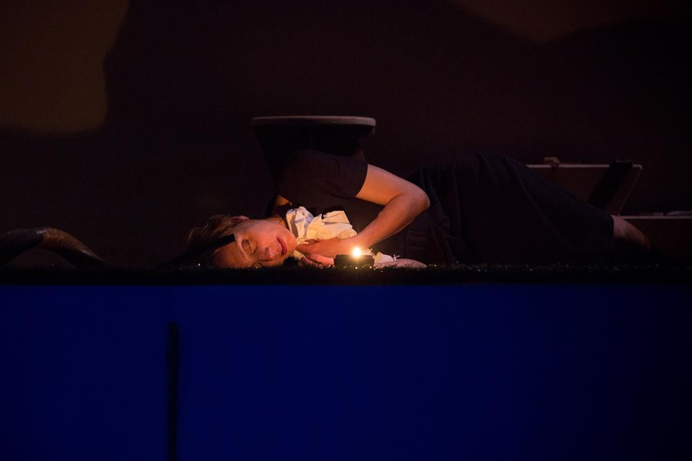 Nathalie Richard – La veillée. Lost (Replay) ©Pierre Grosbois