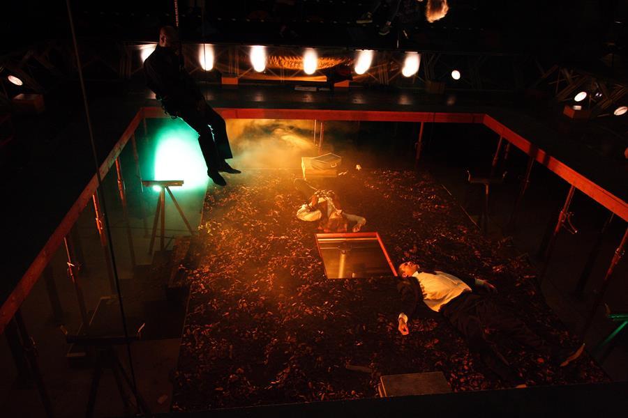La Tour - Théâtre de Gennevilliers – Salle Maria Casares – 1997 ©Philippe ABRIEUX