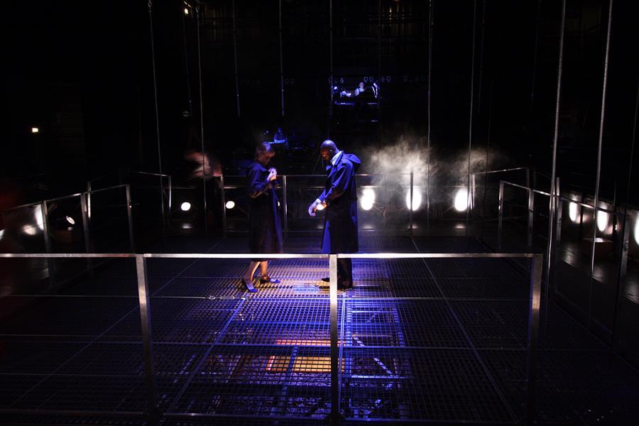 Nathalie Kousnetzoff Jean Baptiste Anoumon - Elevation  La Tour - Théâtre de Gennevilliers – Salle Maria Casares – 1997 ©Philippe ABRIEUX